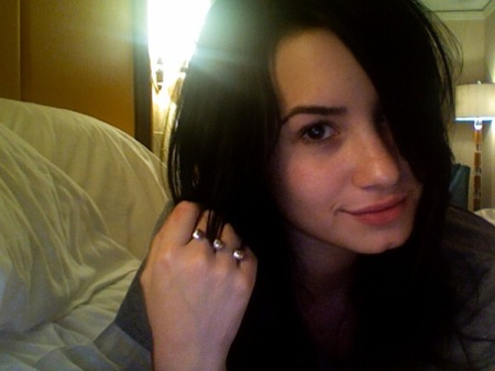 demi no makeup