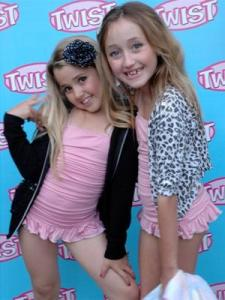 noah cyrus and emily grace reeaves